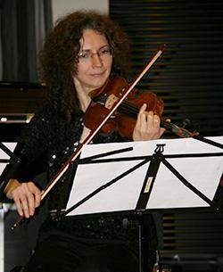 Muziekleraar viool Irina Mouradiants